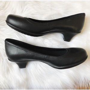 c653138e9c7bd Crocs Grace Leather Work Heels - Slip Resistant